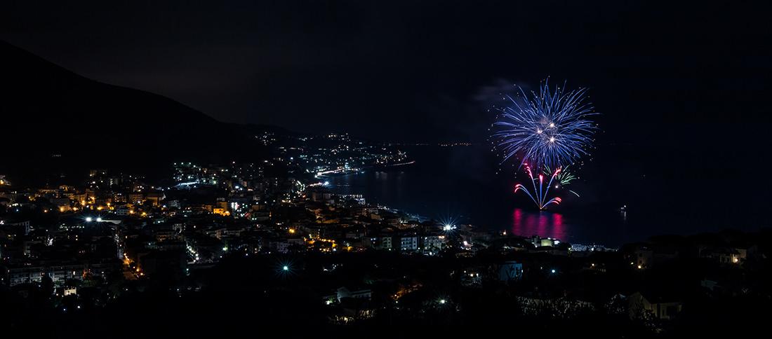 Fuochi d'artificio di Spotorno by Tiziano L. U. Caviglia