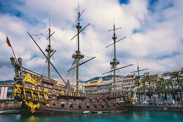 Galeone Neptune nel Porto Antico di Genova